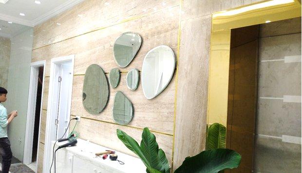 Thu hút với gương decor dán tường Lâm Đồng