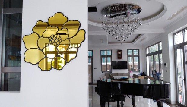 Nâng tầm không gian với gương decor màu vàng Đà Nẵng