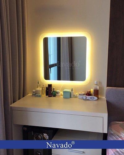 Gương đèn led bàn trang điểm Navado