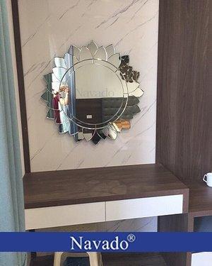 Gương trang điểm treo tường Sunflower