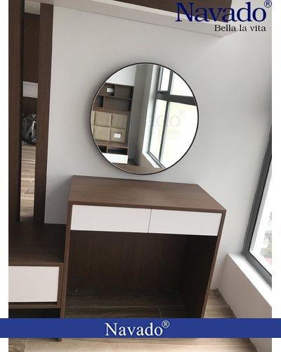 Gương tròn bọc da nâu treo tường bàn trang điểm Navado