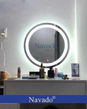 Gương tròn đèn led cảm ứng makeup Navado