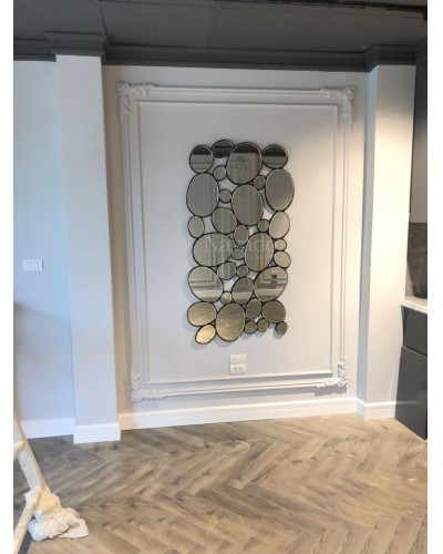 Gương thiết kế gắn tường decor phòng khách Huế