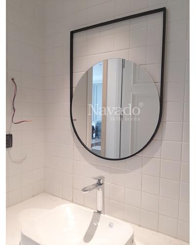 Gương phòng tắm thiết kế khung thép