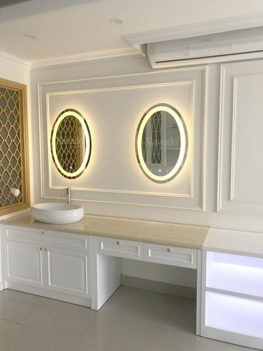 guong-oval-led-vanhg-decor-spa-da-nang